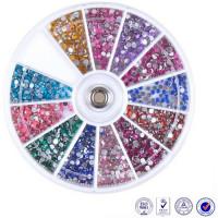 Noname Cosmetics Colorful Rhinestones 700 kpl